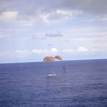 Apollo13_splashdown
